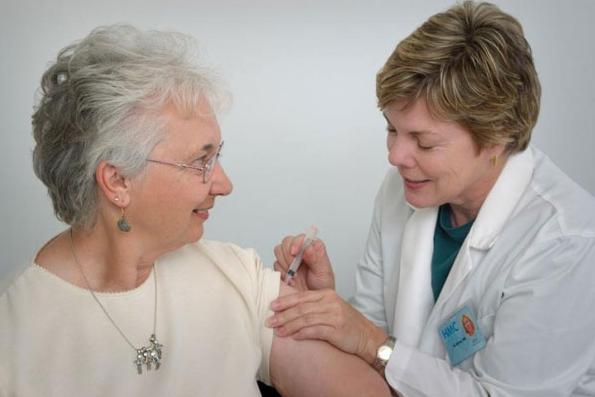rekomendasi berbagai jenis vaksin untuk lansia